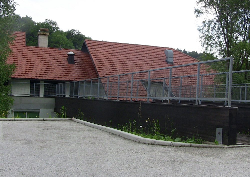 Leta 1995 je Podčetrtek postal središče novo ustanovljene občine pod vodstvom novega župana, Marjana Drofenika. Oddelke vrtca so priključili k OŠ Podčetrtek. Zaradi povečanega števila otrok so 6. decembra 1996 v stavbi nad zdravstvenim domom v Podčetrtku odprli nove prostore vrtca s 4 igralnicami.
